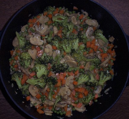 Broccoli mit Gemüse in Kokos-Curry-Soße.JPG